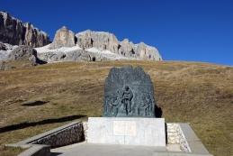Spomenik Faustu Coppiju