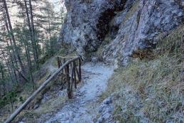 Obnovljen mostiček