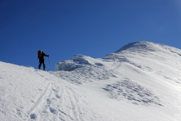 Po grebenu na vrh...