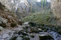 Kamniti most v Zelških jamah
