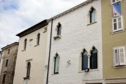 Manziolijeva palača